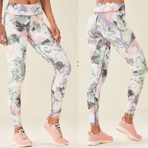 Fabletics mid rise printed powerhold legging xs